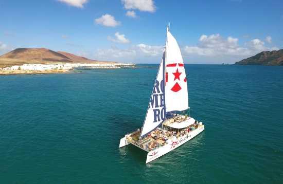 Gira en Catamarán Lanzarote Nos encanta La Graciosa